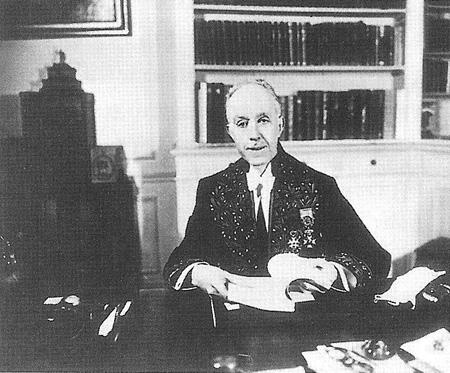 ДЕ БРОЙЛЬ ЛУИ ВИКТОР ПЬЕР РАЙМОН (1892 г – 1987