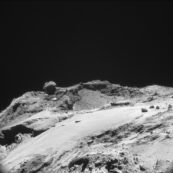 <b>���.1.</b> ����������� ������� ������� �� ���� ����, ���������� ������� NAVCAM � ���������� 12��. ������� ������������ 1� �� �������. ������� ������ ���������� 1,1��. ���� ESA/Rosetta/NAVCAM