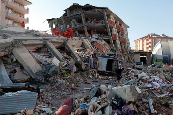 Землетрясение в г. Ван (Турция), 2011 год.