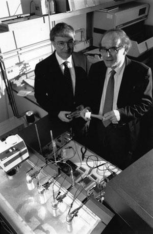 Понс и Флейшман в лаборатории Университета Юты («Троицкий вариант» №11, 2019)