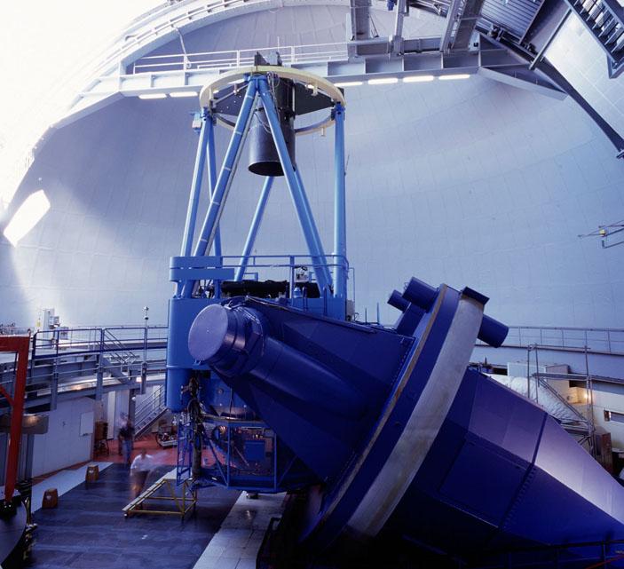 Главный телескоп обсерватории Ла Силья («Наука и жизнь» №1, 2019)