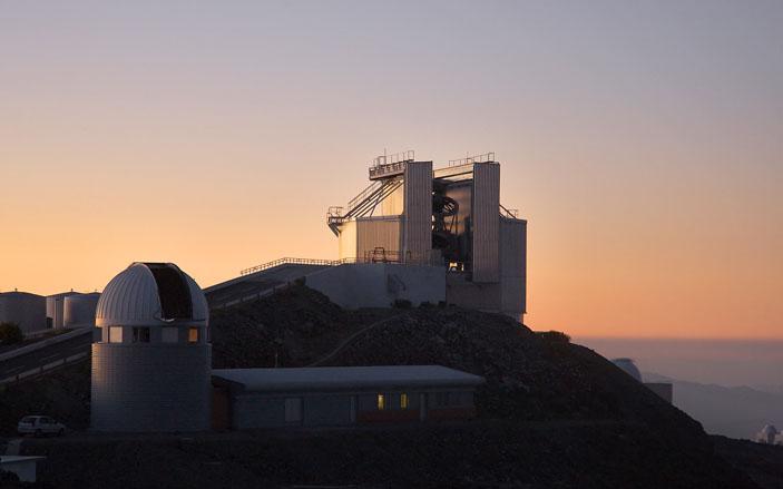 Телескоп новых технологий, диаметр главного зеркала 3,6 м («Наука и жизнь» №1, 2019)