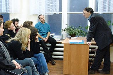 Лекция А. А. Зализняка «Некоторые проблемы порядка слов в истории русского языка», 18 ноября 2005 года, школа «Муми-тролль»
