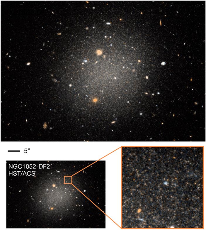Изображение галактики NGC 1052-DF2, полученное телескопом «Хаббл» после 11 часов наблюдения в двух фильтрах