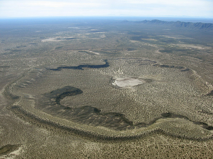 Кратерообразные озера на Титане могли образоваться из-за фреатических взрывов