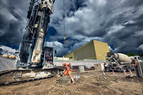 Начало работ по бурению главного ствола новой шахты вблизи точки5 LHC