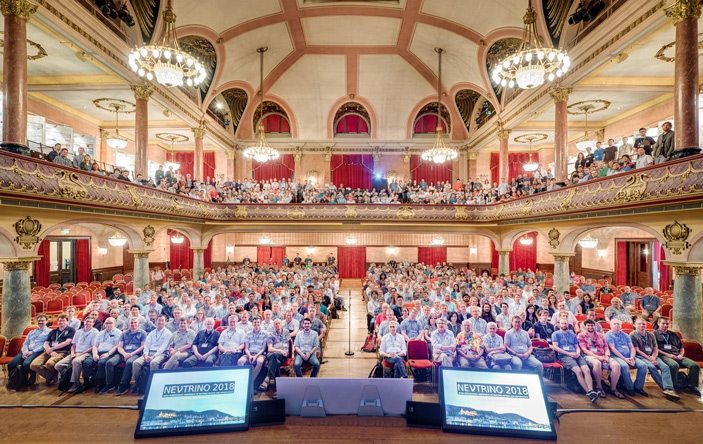 Участники конференции Neutrino2018