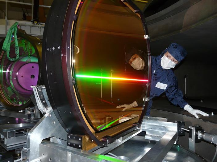 Дифракционное зеркало, используемое в петаваттной лазерной системе Vulcan
