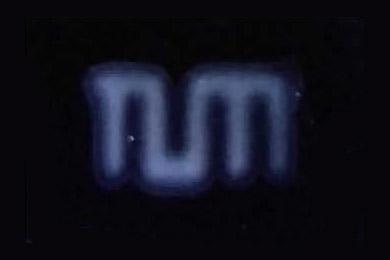 Логотип Мюнхенского университета изо «умного» супрамолекулярного геля