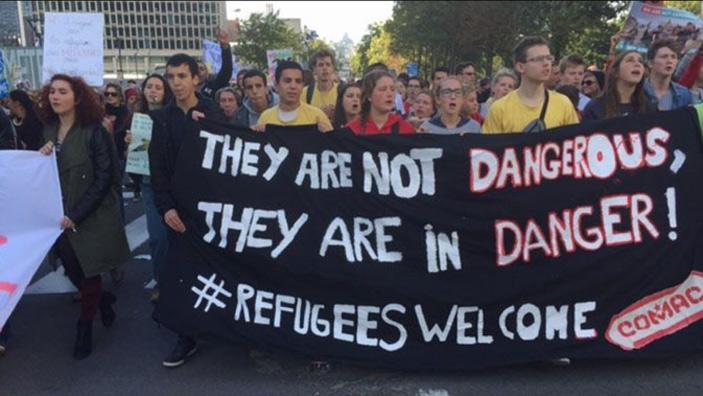 Марш против негативного отношения кбеженцам вБрюсселе