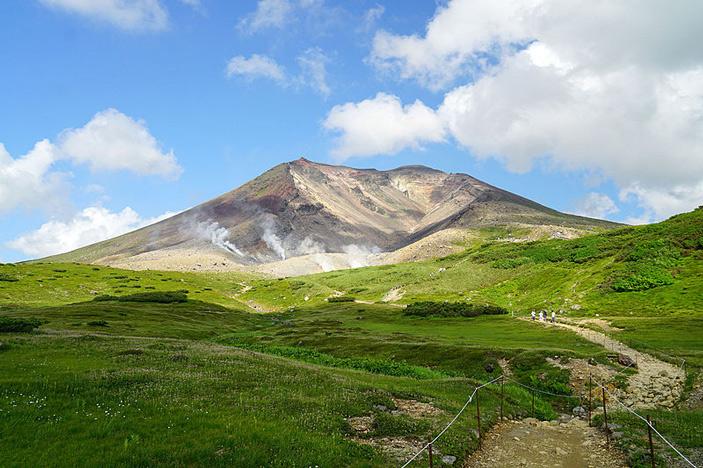 Рис. 1. Вид на вулкан Асахи