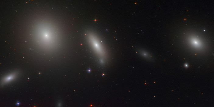Линзовидная галактика NGC 1277